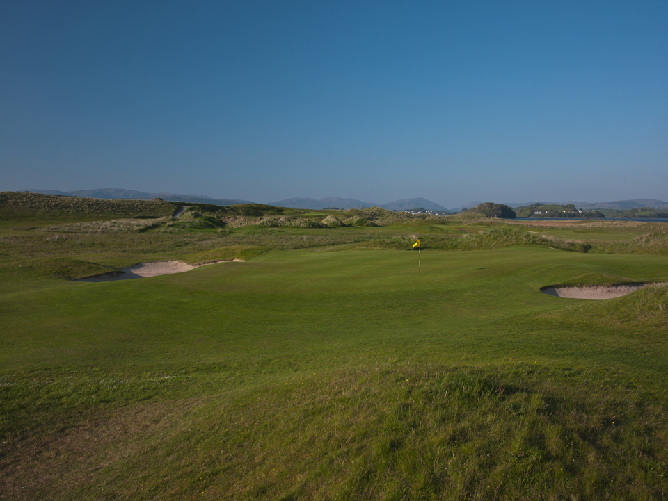 Donegal 13th Hole - Wee Dunt